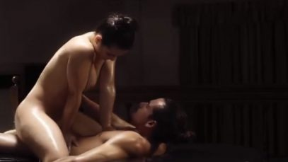 Пара трахается во время массажа