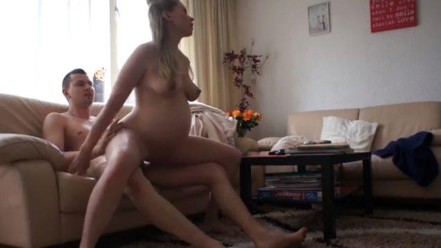 Классный секс с беременной женой